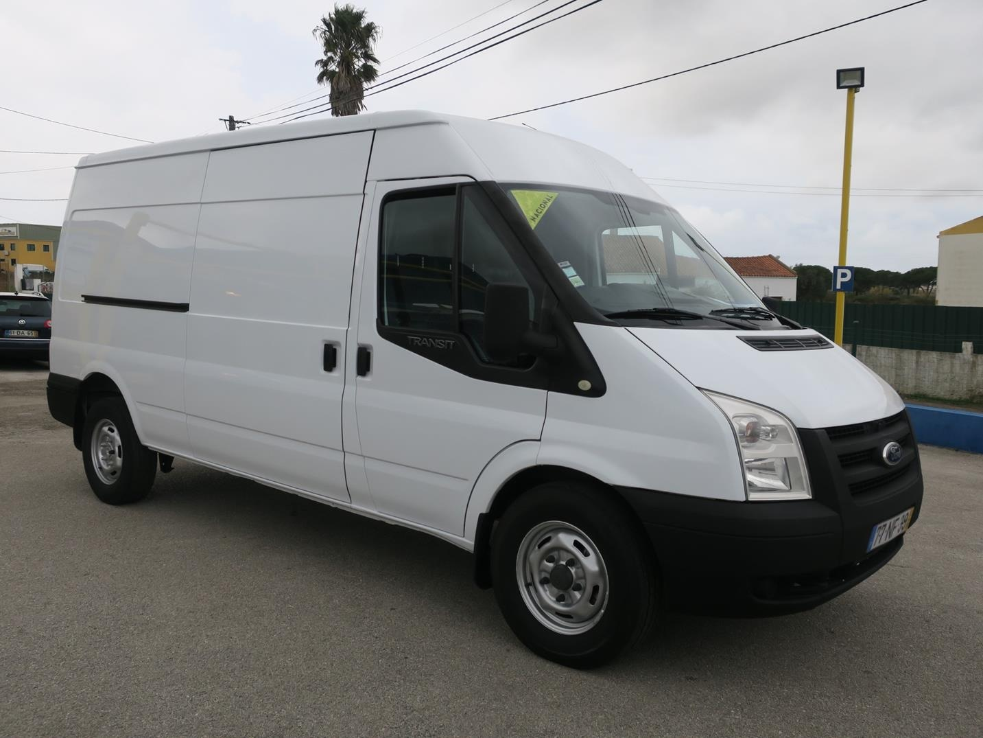 Ford Transit 330L 2.4 TDCI 4WD BASE